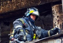 In the Leningrad region at a fire in the house burned alive, a pensioner and her ten year old grandson