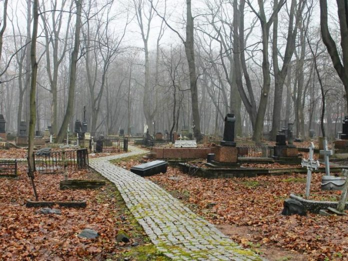 In the Leningrad region can allow visiting cemeteries even in problem areas coronavirus