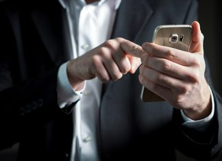 The expert explained how to extend the life of your smartphone