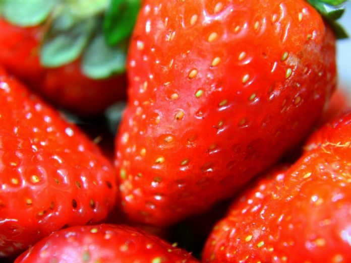 The nutritionist told me what side effects can cause foreign strawberries