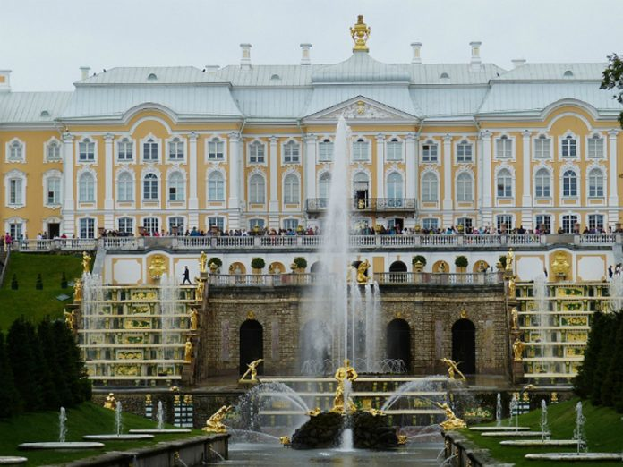 Antivirus weekend: Peterhof, lots of music and entertainment for the little ones