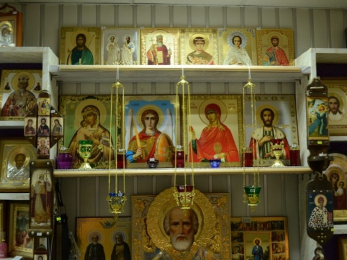 Cross stolen from an Orthodox store in the center of Moscow