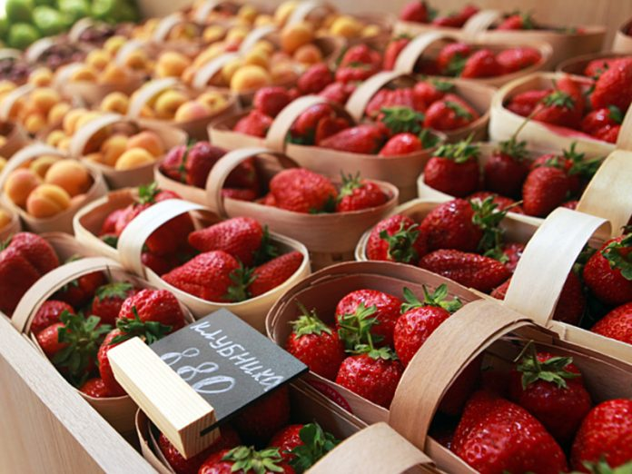 Doctors told, who can't eat strawberries