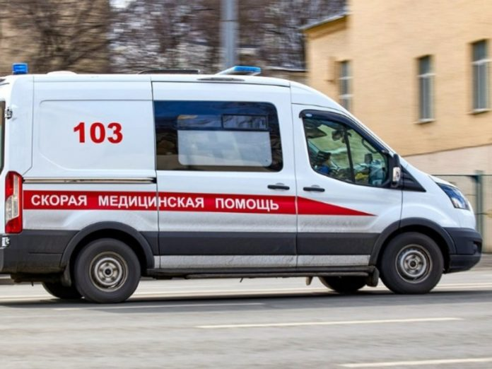In Moscow, the bully threw a bottle out the window and hit the child in the head