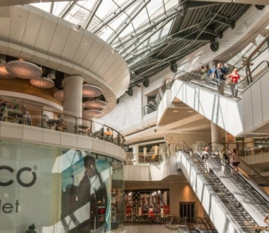 In Russia more than half of the shopping networks want to close some of the stores