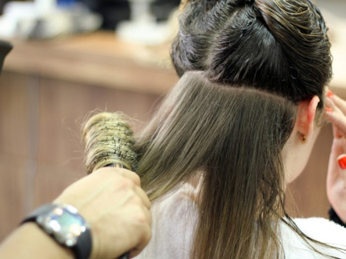 In St. Petersburg allowed the work of hairdressers and other service industries