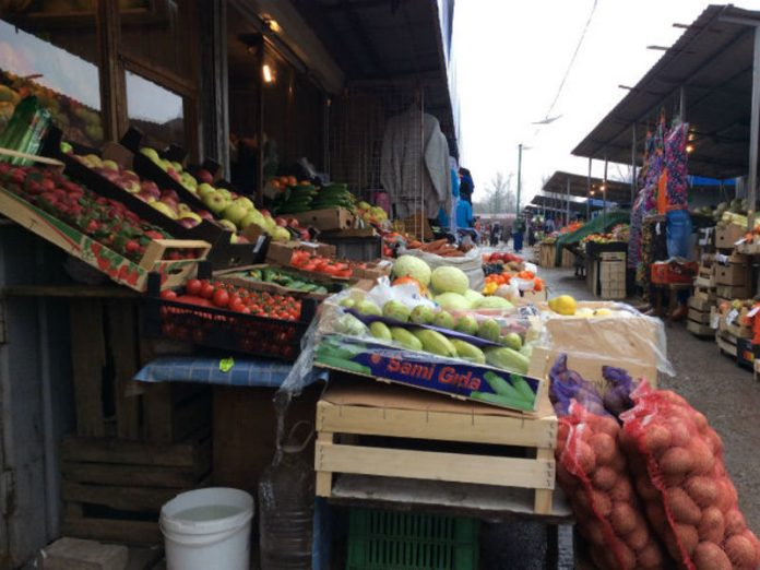 In the Chinese market in Magadan people massively contracted Kovalam