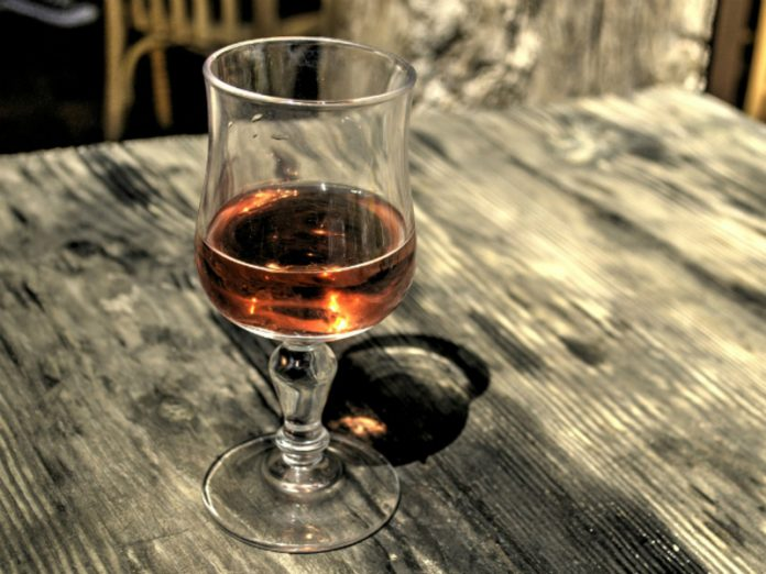 In Udmurtia, the girl drank brandy at a party and died