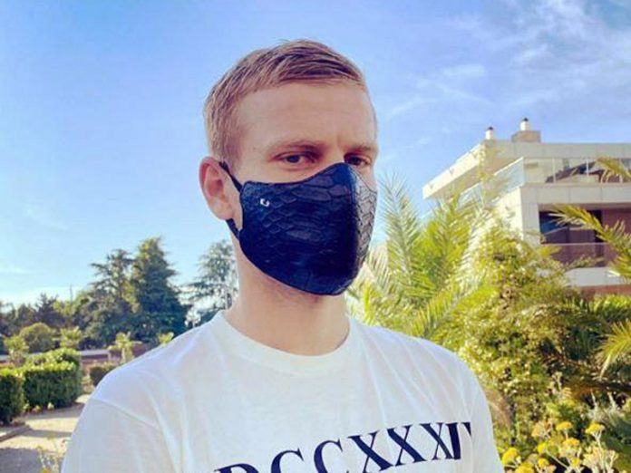Kokorin has published a photo of the mask from crocodile skin
