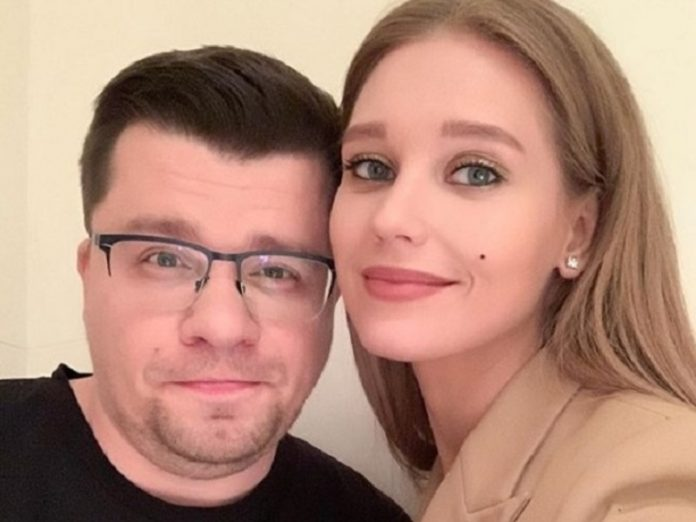 Moderator Comment Out said that the divorce Kharlamov and Asmus — drawing