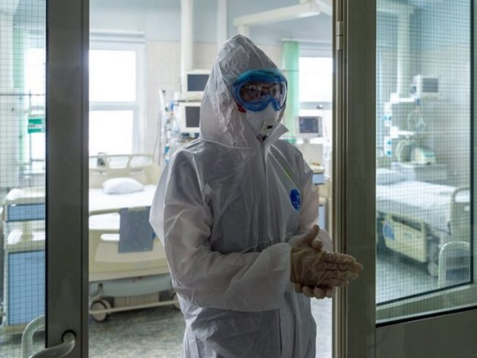 More than 440 people with COVID-19 lie in the Filatov hospital