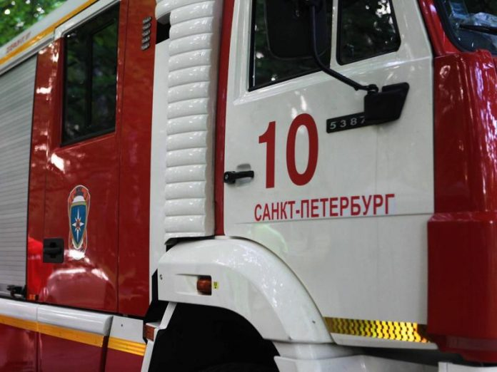 Pensioner rescued from burning apartment in St. Petersburg