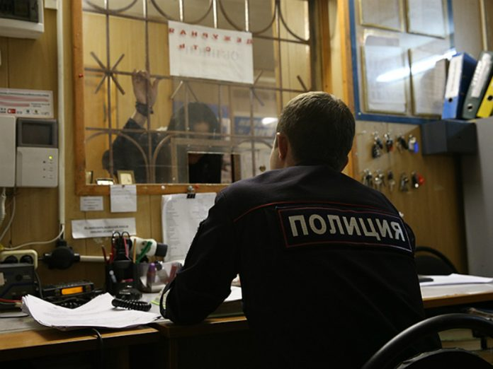 Picketer detained at the Moscow Ministry of internal Affairs, nearly left the police Department on a 14-day isolation
