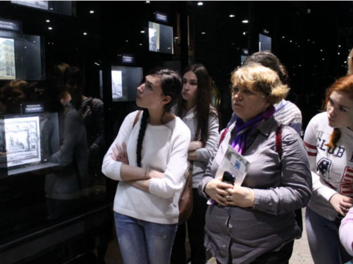 Published recommendations for the resumption of the work of museums: no organised groups of tourists and compulsory masks