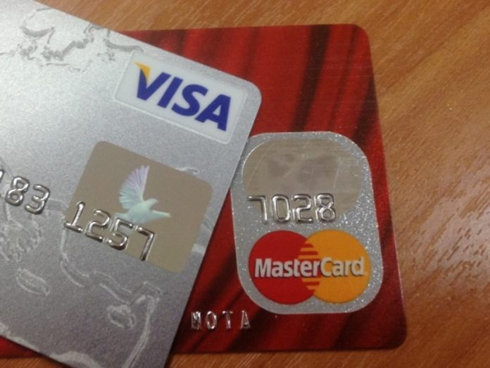 Russia has sharply reduced the issuance of new credit cards