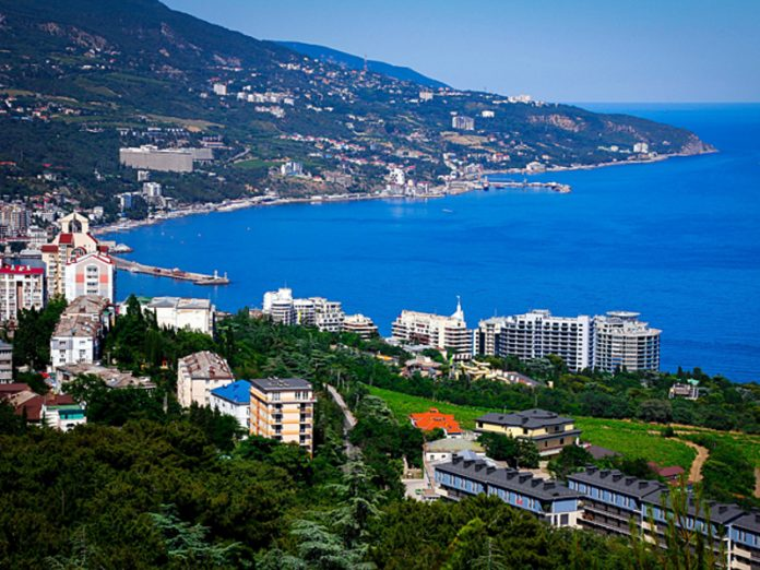 Russian tourists were allowed to return to Crimea from July 1,