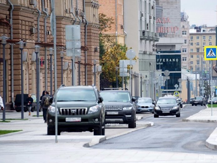 Several streets in Moscow, opened after the passage of columns of military equipment