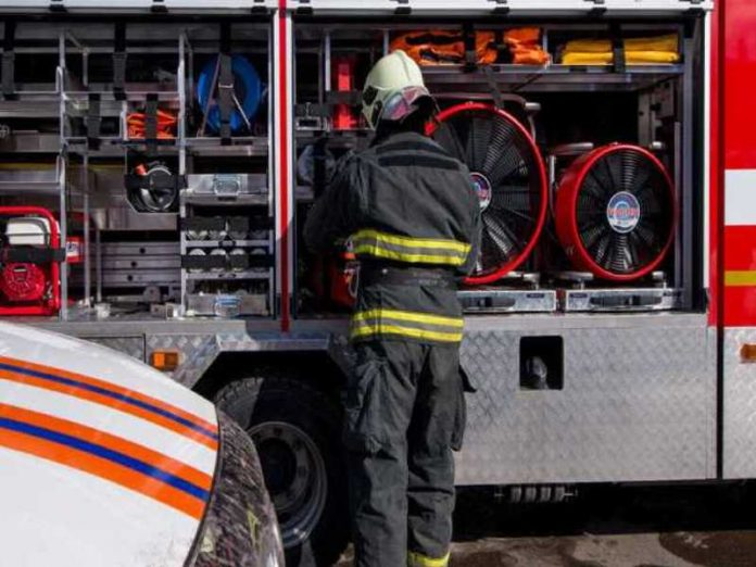 Six people rescued by fire in residential house in Moscow