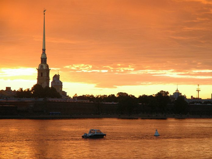 St. Petersburg messed up the salute with fireworks and waited in vain for the spectacle