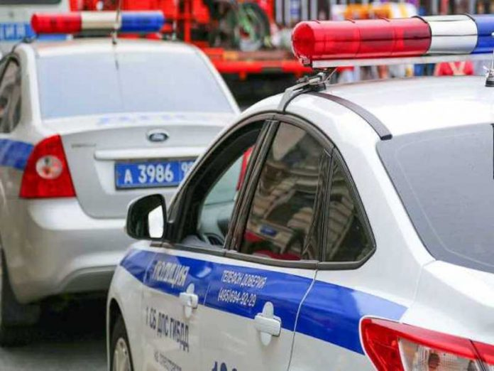 Taxi car rammed a police motorcycle in Moscow