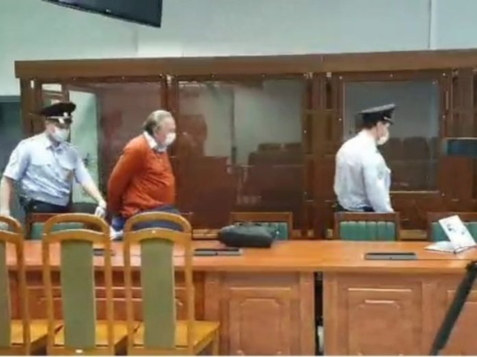 The court in the case of the historian Sokolov was postponed due to problems with the handling of his correspondence with the victim