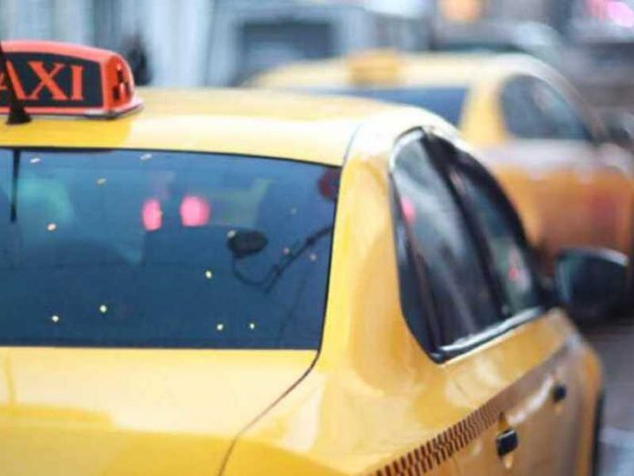 The motorcyclist and his passenger injured in crash with taxi in Moscow