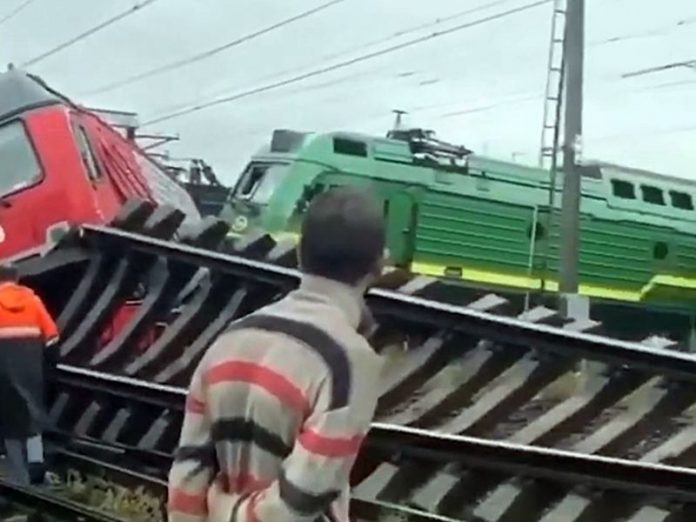 A devastating collision of locomotives in Kupchino entered in a criminal case (video)