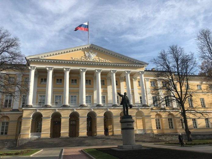 Against the backdrop of cuts in Smolny continue reshuffle