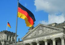Germany urged to impose sanctions on Russia over cyber-attacks
