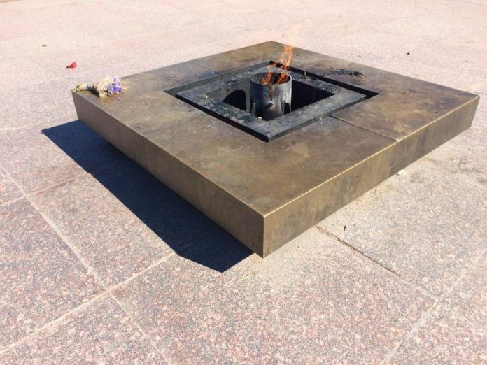 In Kaliningrad, the vandal tried to extinguish the Eternal flame