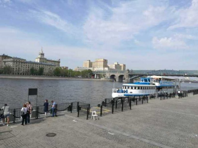 In Moscow from July 13 to begin to conduct tours