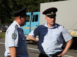 In Moscow, the driver abandoned the survey and tried to pay off 100 thousand rubles