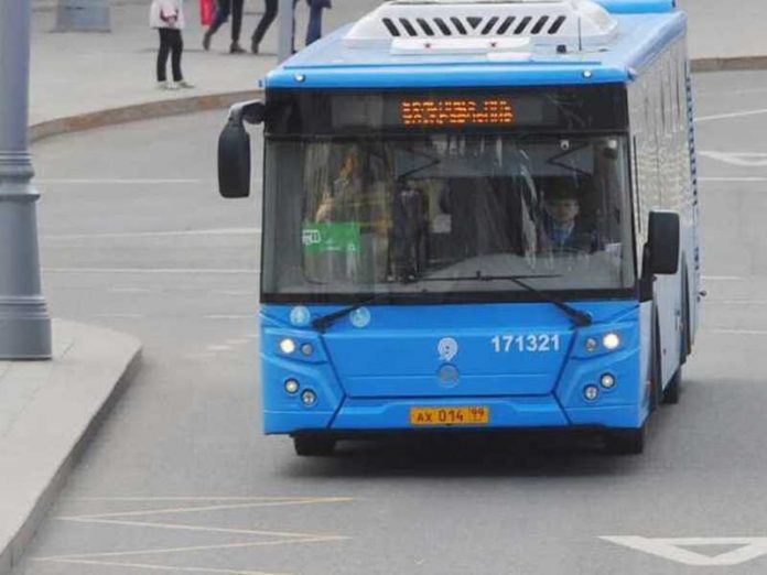 In Moscow the drunk man rushed to the bus passengers