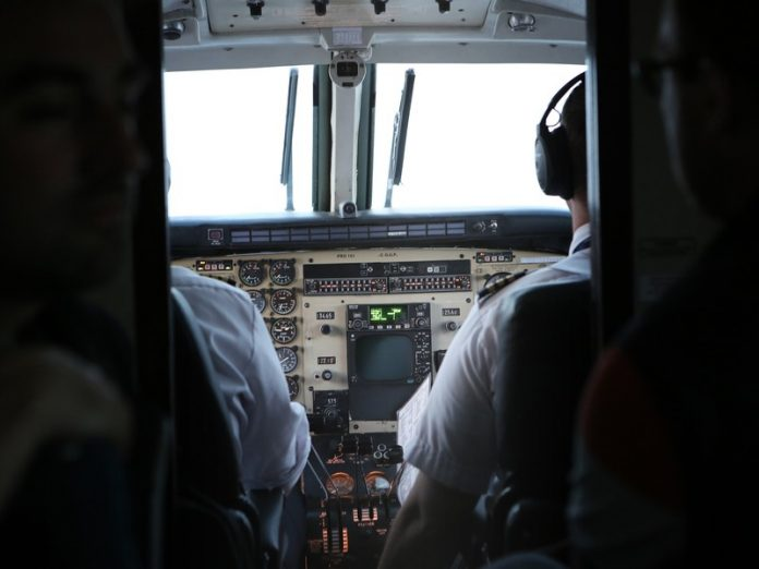 In Simferopol, the pilots manually put a passenger aircraft due to a failed display Board