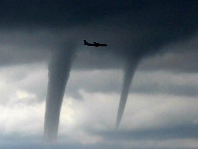 In Sochi, the tornado almost killed tourists flying bed (video)