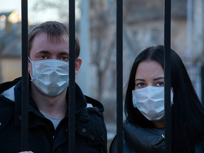 In St. Petersburg during the day, the victims of coronavirus steel 42