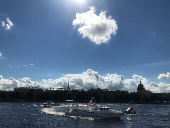 In St. Petersburg is the main naval parade (photos)