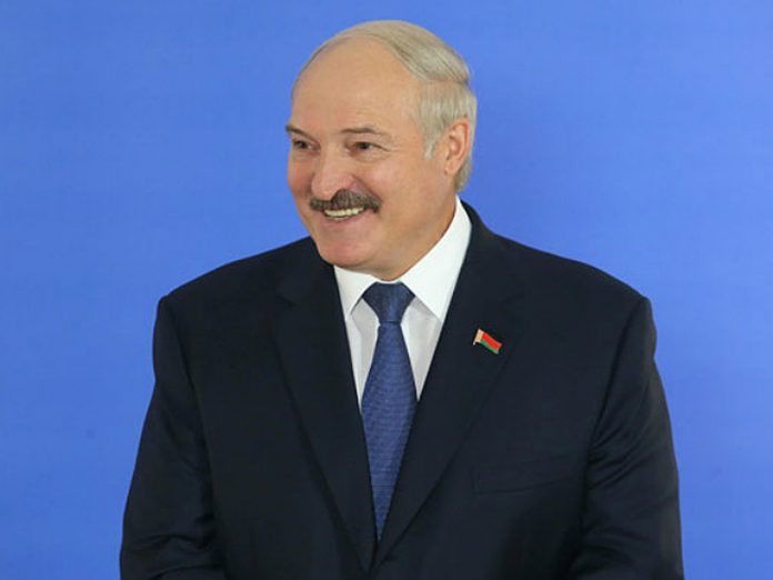 Lukashenko came to the interview barefoot (video)