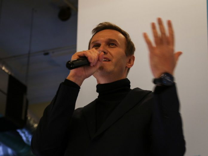 Navalny urged not to worry and to prepare for fall election