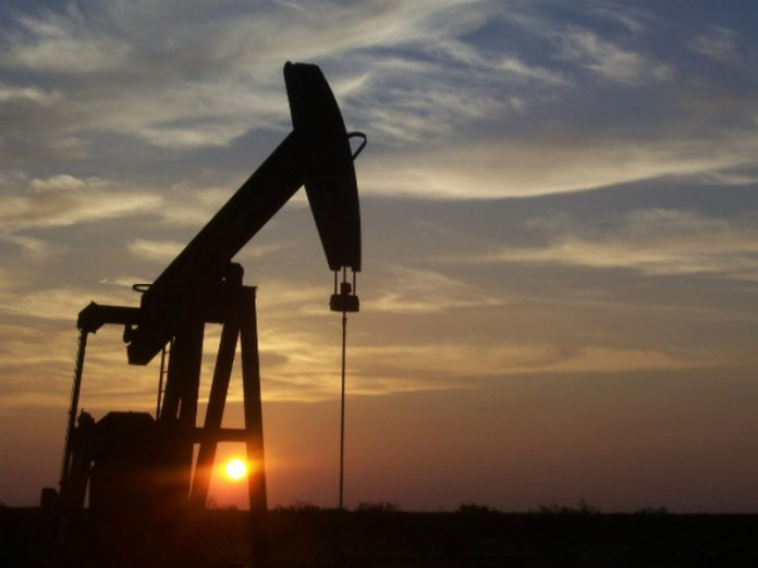 Oil prices drop, but Brent remains above $43 a barrel