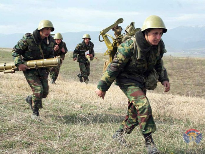 On the border of Azerbaijan and Armenia resumed fighting, there are losses