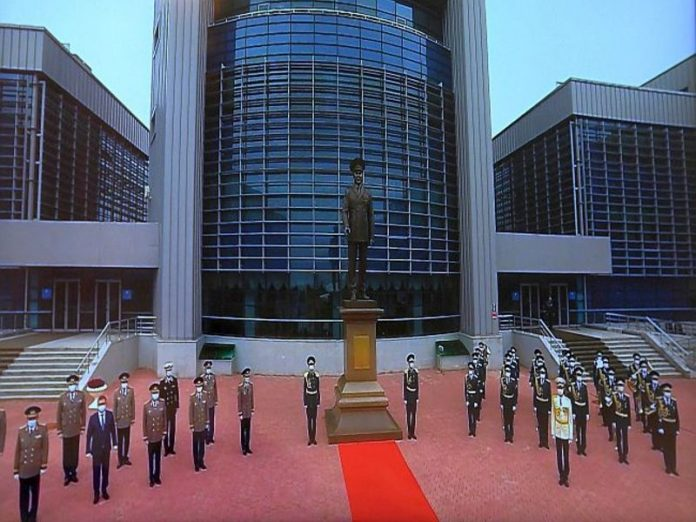 On the eve of the 80th anniversary of Nazarbayev opened a monument in the city bearing his name