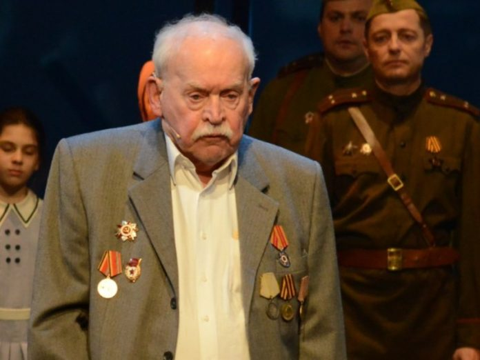 Passed away the oldest Theater Army Alexander Petrov