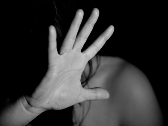 Photographer raped the girl at a casting in Moscow