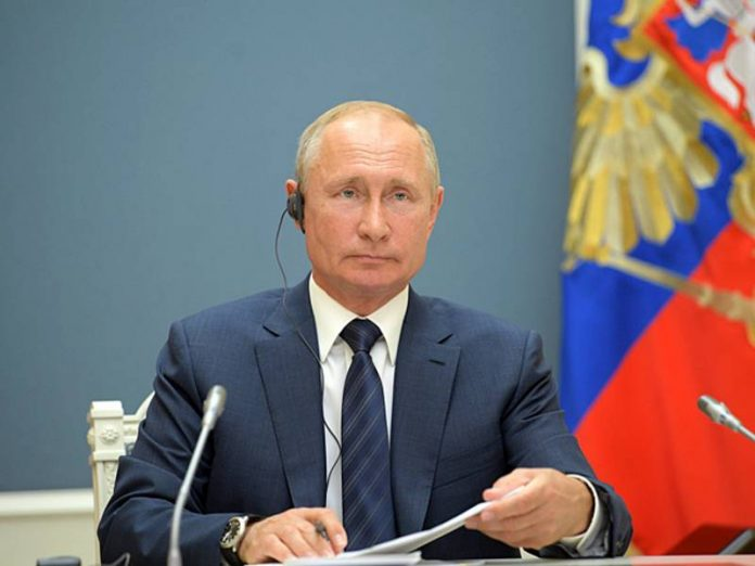 Putin goes to Crimea to bookmark warships for the Navy