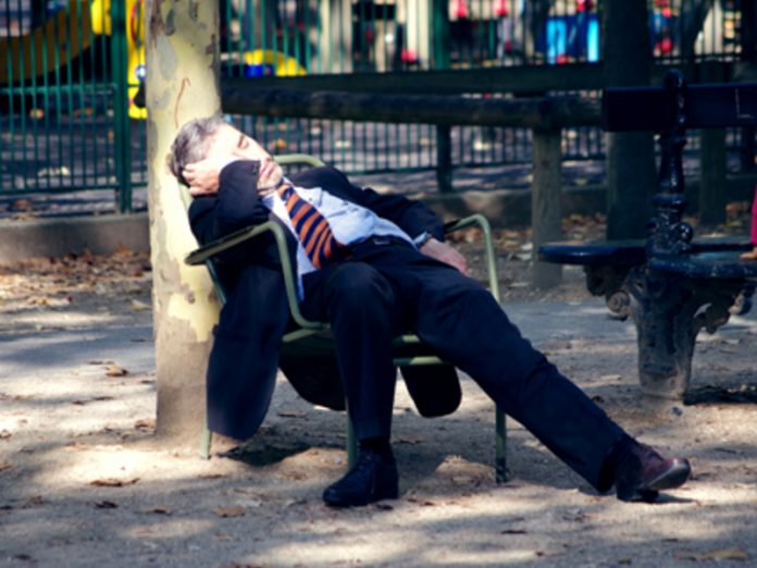 The doctor gave advice on how to overcome sleepiness at work