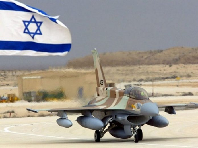 The Israeli army announced the air strikes on militants in the Gaza strip