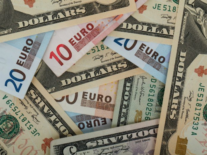 The ruble during the auction weakens the dollar and the Euro