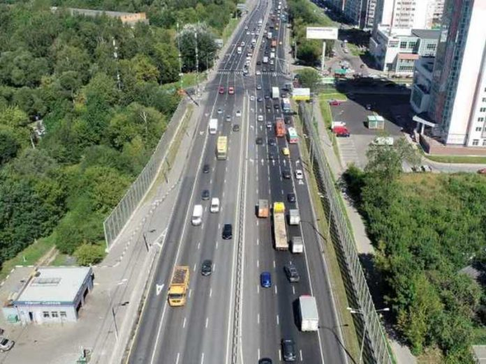 The social worker discussed safety on the Russian roads