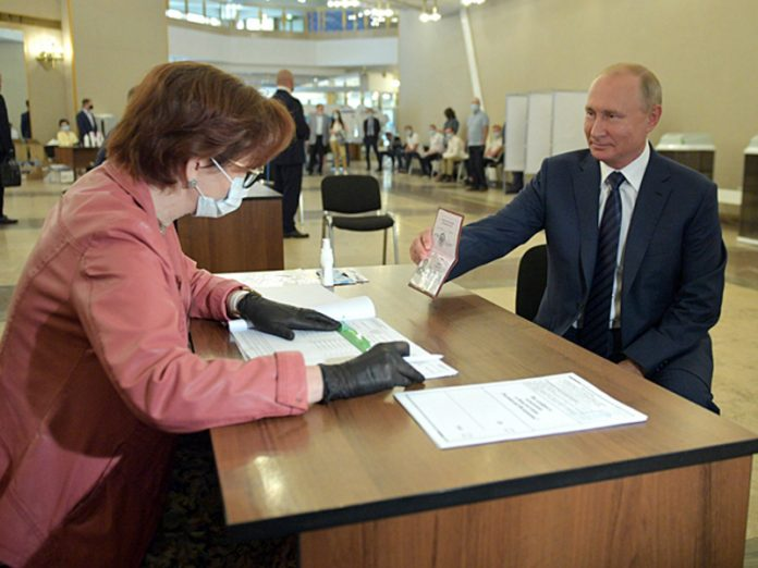 There was a video with the voting without a mask and gloves Putin